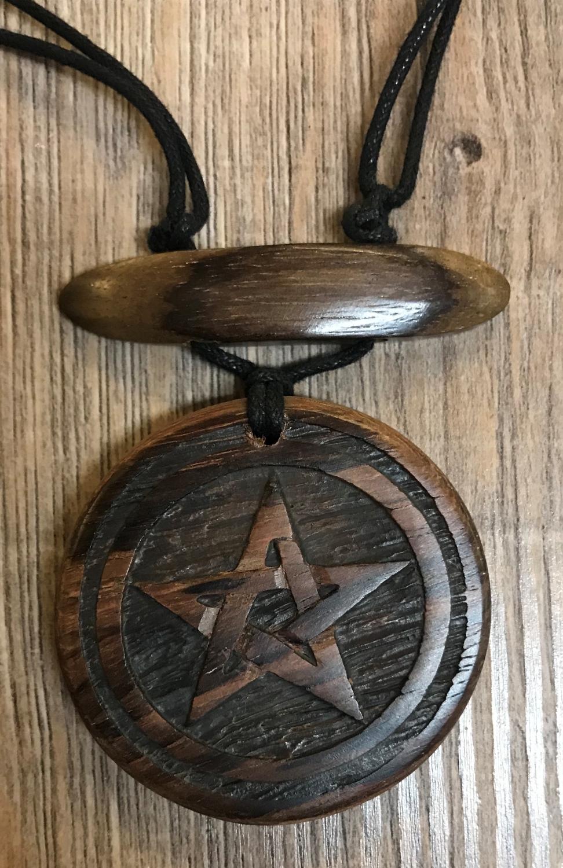 Amulette - Holz