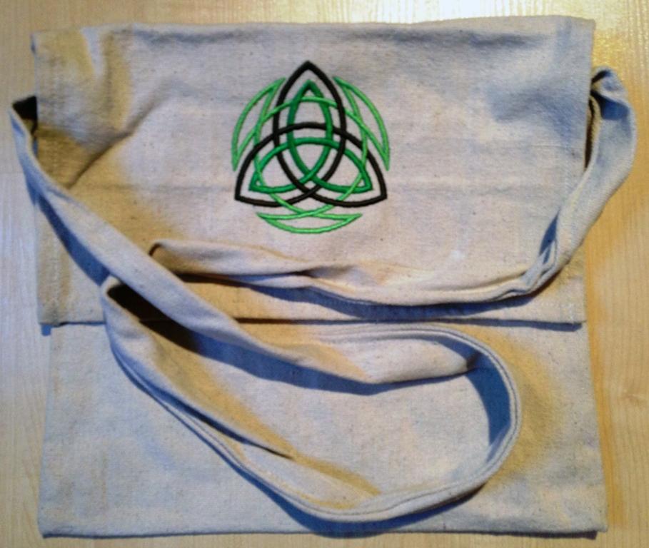 Taschen bestickt von McOnis
