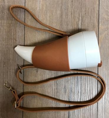 To-Go - Kaffebecher - Trinkhorn Kunststoff mit Edelstahlinlay & Kunstlederriemen - 350ml - weiss