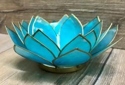 Kerzenhalter - LotusBlume -  5. Kehl-Chakra/ Vishudda - hellblau mit Goldrand