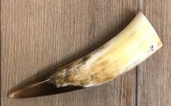 Trinkhorn - aussen poliert, innen lackiert - lebensmittelecht - ca. 0,05l