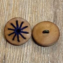 Knopf aus Leder - braun mit blauem Fadenlauf - Öse - 28mm