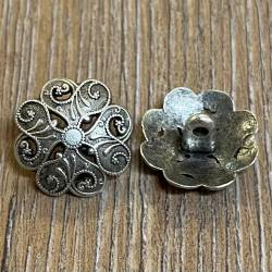Knopf aus Metall - florales Motiv durchbrochen – Öse – 19mm