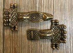 Schließe aus Metall - Gewand - Wikinger - Bronze