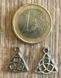 Anhänger - Charm - keltische Triquetra - Zinklegierung -  Farbe: Silber
