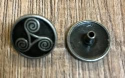 Zierniete Triskele altsilber - 18mm