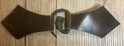 Mantelschließe Drache mit Leder - braun