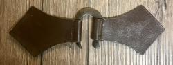 Mantelschließe Hufeisen mit Leder - braun