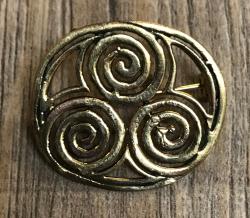 Brosche - Triskele/ Spirale 3cm x 2,5cm - Bronze