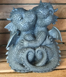 Gartenstatue - Drachenpaar knuddelt - Loving Dragons (in & outdoor) - NEU