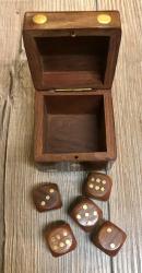 Maritimes - Würfel Box in Würfelform inkl. 5 Würfel - Holz/ Messing 6x6x6cm