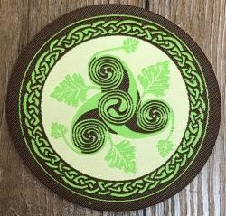 Aufnäher Patch Aufkleber - gewebt - Triskele mit Blättern - 8cm