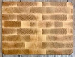 Holz Brett - Schneidebrett aus Buche, Strinholz, Würfel einzeln verleimt - 40cm x 20cm - individuelle Lasergravur möglich