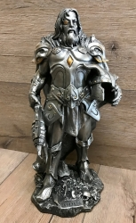 Statue - Odin der Allvater, in Rüstung mit Axt - nordischer Göttervater - silberfarben Dekoration - Ritualbedarf