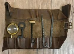 Zubehör - Diebeswerkzeug/ Einbruchswerkzeug in Leder-Rolltasche - braun
