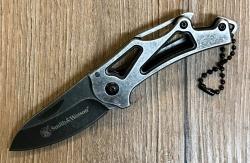 Smith & Wesson Taschenmesser Stonewash Keychain - Klinge aus rostfreiem 3Cr13 Stahl