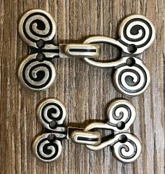 Haken & Öse aus Metall - Spiralen Schließe - altsilber- 31mm