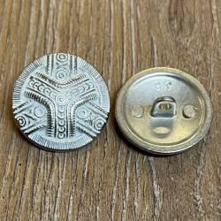 Knopf aus Metall - leicht bombiert mit Ornament, weiß pateniert – Öse – 23mm - Ausverkauf