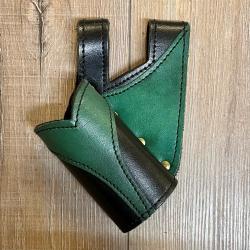 Leder - Schwert Halter zweifarbig - verschiedene Designs - schwarz/ grün