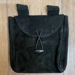 Tasche - Leder - Gürteltasche Flach/ thin mit Knebelknopf - schwarz - groß