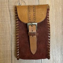 Tasche - Leder - Händler/ Merchant länglich mit Riemenverschluss - braun