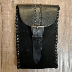 Tasche - Leder - Händler/ Merchant länglich mit Riemenverschluss - schwarz