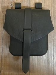 Tasche - Leder - Gürteltasche mit Lasche - schwarz