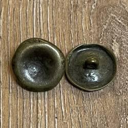 Knopf aus Metall - Öse - gehämmert, unregelmäßiger Rand - altmessing - 20mm - Ausverkauf