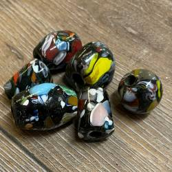 Perlen - Glasperlen - groß - schwarz/ bunt