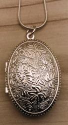 Kette - Medaillon - versilbert mit Kette 56cm