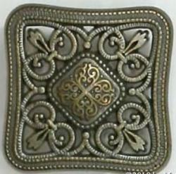 Knopf aus Metall - ornamental durchbrochen - Quadrat – Öse – 20mm - Ausverkauf - letzter Artikel